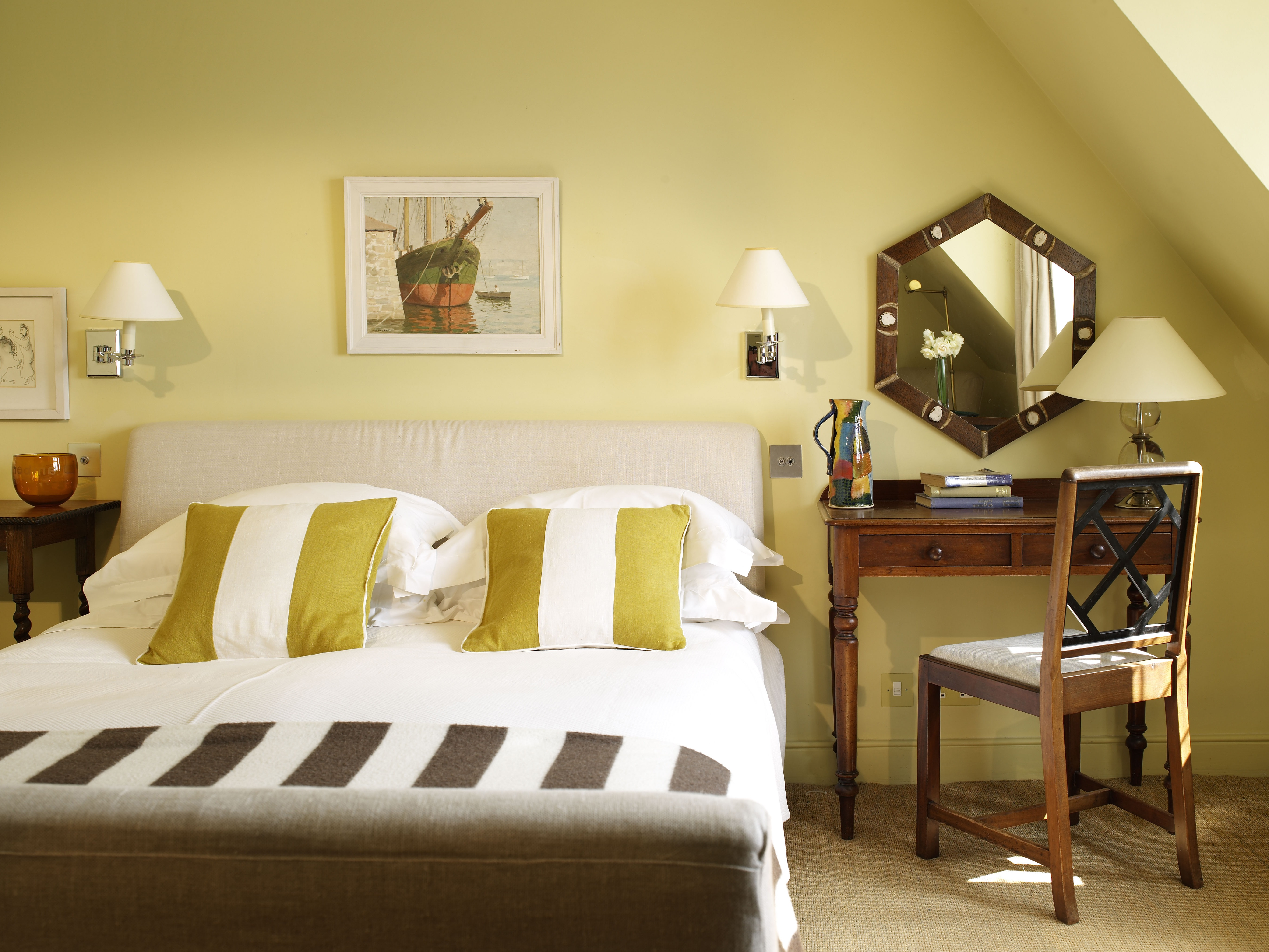21 Beautiful Bedroom Color Schemes with Color Combinations